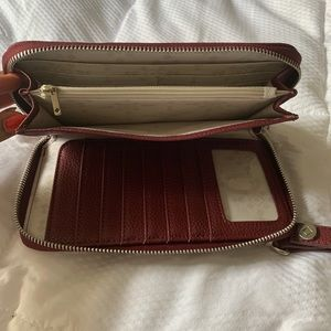 thirty-one Bags - Thirty-One Gifts Merlot Wristlet